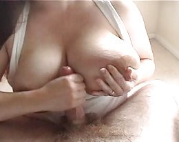 awesome laktierenden milchig Handjob - heiГџ!